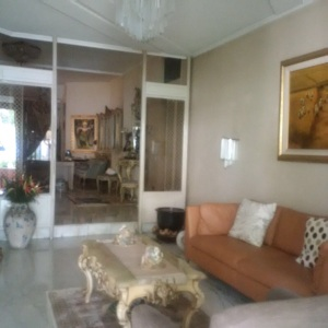 Rumah Jl Cimahi Menteng 6